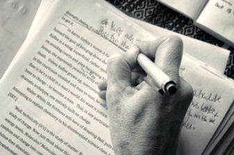 Manuscript_Review-450x242