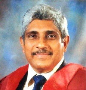 dr-praneeth-abeysundara-654x1024-a-286x300
